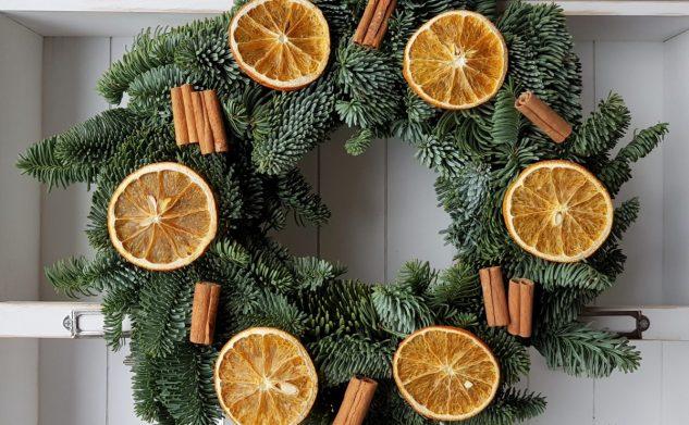 84. Herbata z cytryną i imbirem czy wianek z pomarańczą i cynamonem?