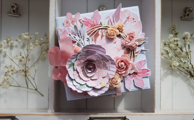 473. Kwiaty i wianek