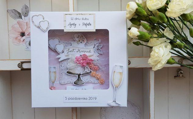 488. Kartka w pudełku z tortem weselnym