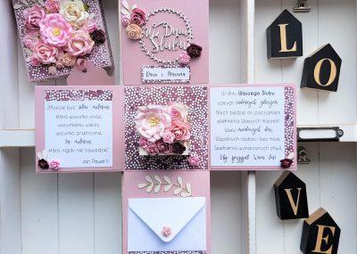 Ślubny box w różach
