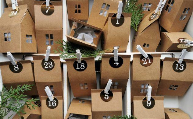 674. Kalendarz adwentowy – domki