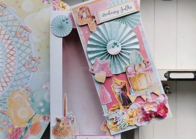Dziewczęca kartka urodzinowa z rozetką